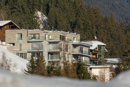Außen- und Innenaufnahmen von Häusern, Hotels, Gästehäusern
