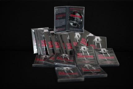 DVD sind auf dieser Homepage zu bestellen. Fast drei Stunden Filmmaterial, neben dem Film gibt es ausführliches Bonusmaterial.