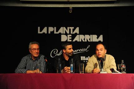 Pablo Méndez durante la presentación del poeta. Foto: Ángel Pablo Corral Jiménez