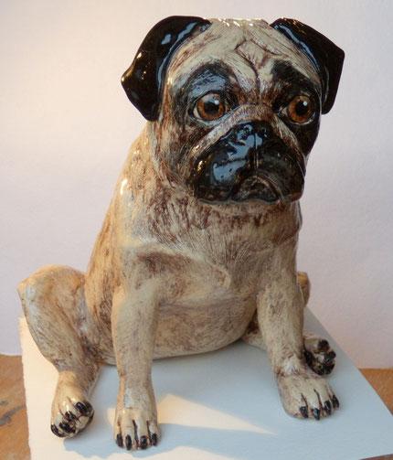 Mops, Keramikmops, Keramiktier, Keramikhund, Tierfigur, Tierskulptur,Figur, Tierfigur, aus Ton, Skulptur, Mopsfigur, Mopsskulptur, ab Foto, von Hand modelliert, Geschenk