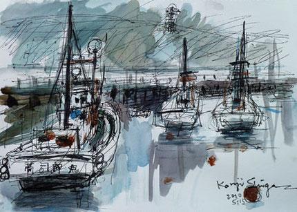 藤沢市・江ノ島と片瀬漁港の漁船