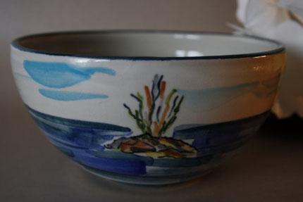 Keramik mit handbemalter Meeresszenerie