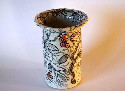 Vase handbemalt mit floralem Dekor