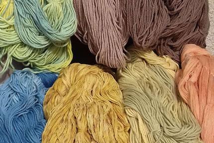 magasin de laine, laine pour tricoter, laine locale, laine artisanale, laine à tricoter, couleur naturelle, soie, laine pour tricoter, mérinos, alpaga, bonnet, chaussette, teinture textile, chale, boutique laine