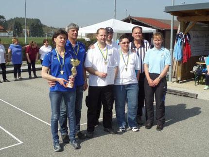 1. Platz für SV Spillern 2 mit Hick Lisa, Batoha Wolfgang, Massinger Michi und Kedl Heike