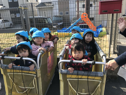 今日は、みんなで高浜幼稚園に遊びに行きました。
