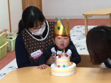 今日は、そらぐみのりくとくんのお誕生日会をしました。りくとくんは、27日で1歳になります。