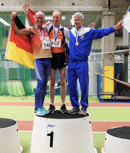 Reinhard Rhaue (links) als strahlender Silbermedaillengewinner!