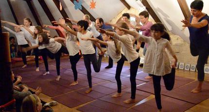 Tous ensemble pour vivre le conte yoga