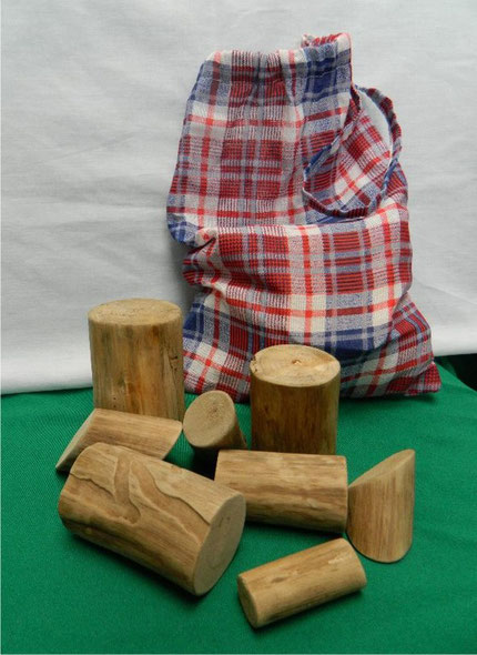 toquinhos de madeira