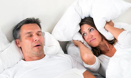 Schnarchen, Allergien, Heuschnupfen, Konzentrationsschwächen, Müdigkeit, Schlafposition, Atemaussetzer, Schlafapnoe, schwitzen
