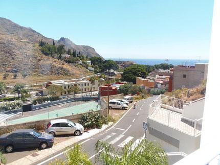 Blick vom Apartment zum Meer das für Langzeitmiete ist.