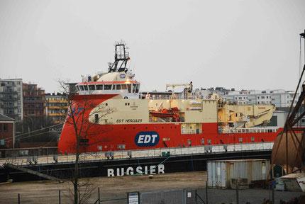 Fahrt über das Hafengelände nach Bremerhaven