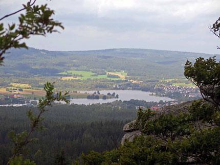 Blick vom Rudolfstein auf den Weißenstädter See