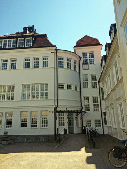 Das Newman-Institut.