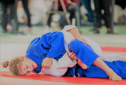 Arzt Sport Jugendliche Pubertät Berger Diabetes Judo Kampfsport, Leistungssport, Insulinpumpe, Basis-Bolus, FIT,  kontinuierliche Glukosemessung, Flash-Glukose-Messung, individuelle Therapiekonzepte Spezialistin AKH Kinderklinik Diabetesambulanz