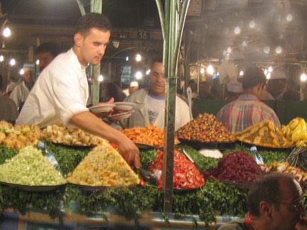 Puestos de comida en la plaza de Marrakech - solomarruecos.com