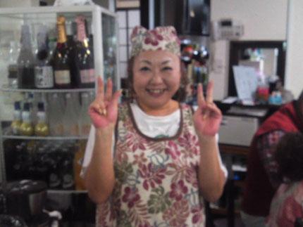 店主の敏江さん。