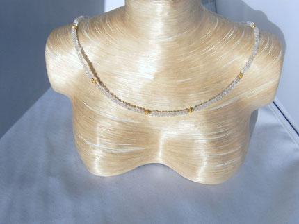Regnbogen Mondstein mit diamanterten, vergoldeten Silberlinsen