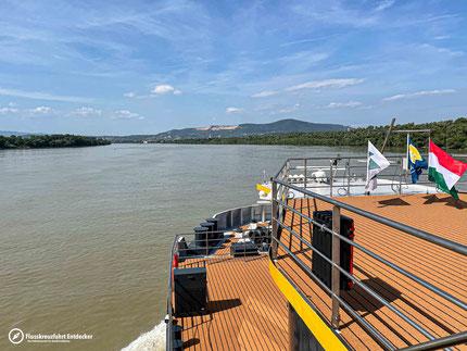 MS ALBERTINA an der Donauknie