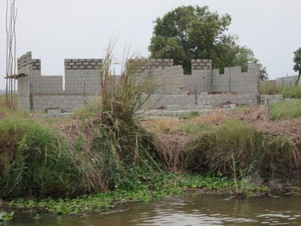 31 janvier 2015 : Un cybercentre au bord mais protégé de la rivière Sô-Ava