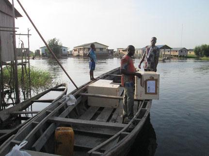 16 février 2015 : En pirogue pour traverser le lac Nokoué