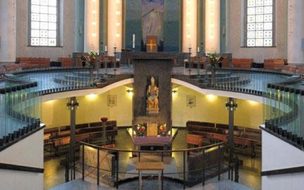 Die Seligsprechung machte den Zugang zum Grab zur Confessio