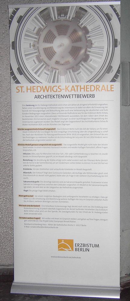 Werbeaufsteller in der Kathedrale am 24.12.2014 (Text s. unten)