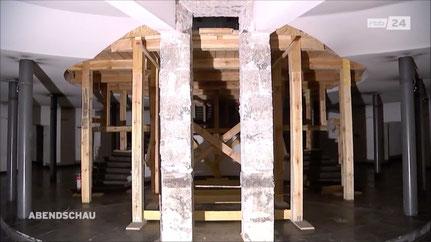 Die rbb-Abendschau dokumentierte den ohne Baugenehmigung erfolgten Abbruch wesentlicher Bauteile in der Unterkirche.