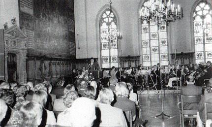 Festakt in der oberen Rathaushalle in Bremen. Begrüßung durch Bürgermeister Hans Koschnik