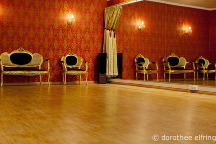 proberaum g nstig mieten m nchen raumvermietung zentral in m nchen tanzstudio trainingsraum. Black Bedroom Furniture Sets. Home Design Ideas