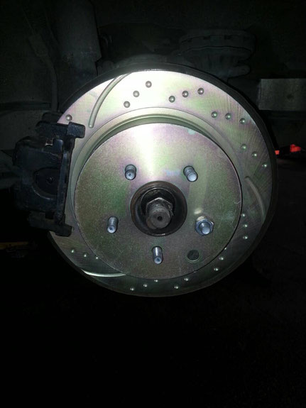 Установка перфорированных тормозных дисков