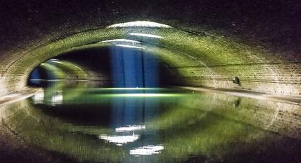 le canal St-Martin sous le boulevard Richard-Lenoir