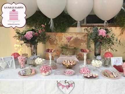 Mesa dulce con globos. Candy bar boda vintage, rustica. Mesa dulce boda. La dulce ilusión cartagena, murcia