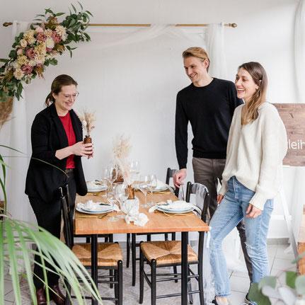 Tischdeko, Hochzeitsdeko, Hochzeitsdekoration, Rustikal, Vintage, Holz, Spitze, Juteläufer, Teelicht, Dekoverleih, Hamburg