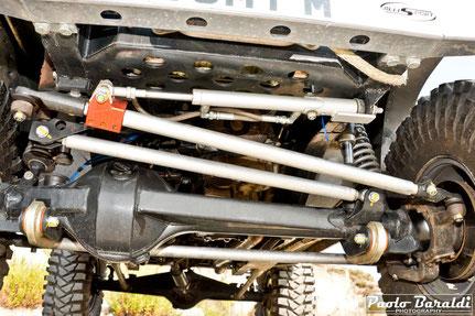 L'impianto sterzante è dell'Y61 con hydro assist steering box with 7075 links