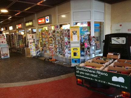 Zeitschriftenhandel Schlippe + Ape mit Flohmarktbüchern