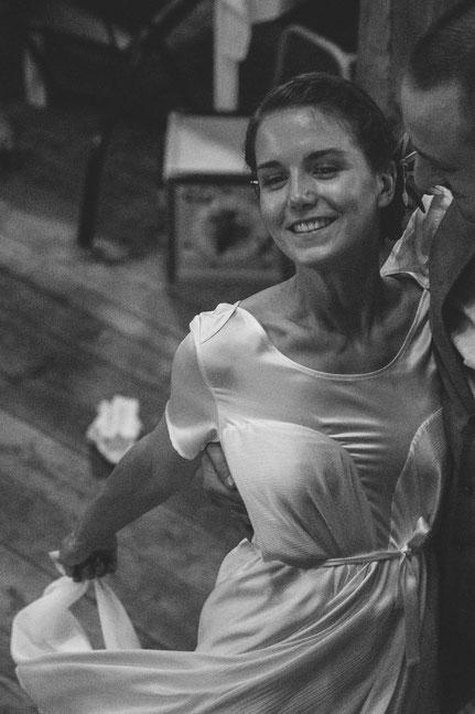 modernes Brautkleid aus Peace-Silk