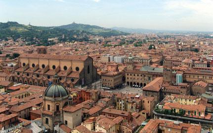 Bologna die rote Stadt, Gastronomie, Shopping und Ambiente...Bologna fasziniert!