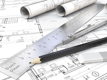 Baupläne und Arbeitsmaterialien der Architektur
