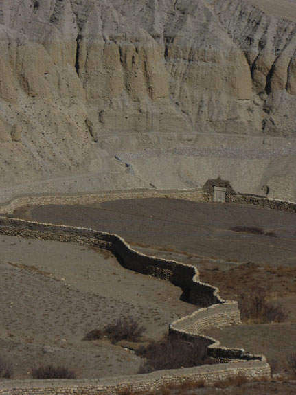Mauer in Upper mustang