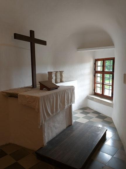Kapelle Höhlenburg Predjama