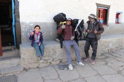 Mustang mit Kind, Nepal mit Kind