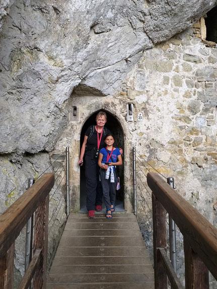 Eingang Höhle Predjama