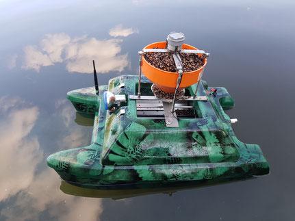 voerboten, baitboats, visvinder, fishfinder, visvinders, fishfinders, Toslon , Toslon TF500 , Toslon TF640 , Toslon TF650 , Toslon TF740 , Toslon TF750, Big Spotter, karper , carp , karpers , karpervissers , Carps , vissen met voerboten, Toslon , kist