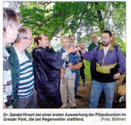 """""""Pilzfloristik"""" der Thüringer Mykologen,hier im Greizer Park."""