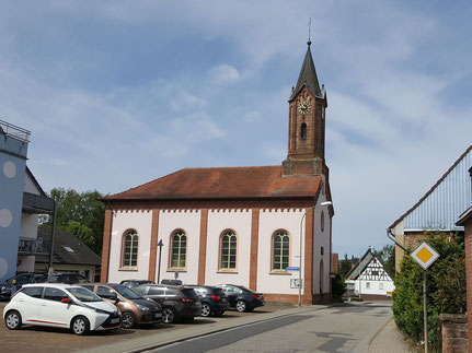 Motorradmuseum in der ehemaligen Kirche in Otterbach