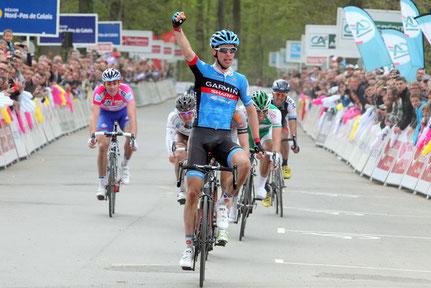 Michel wint een etappe in de 4daagse van Duinkerken