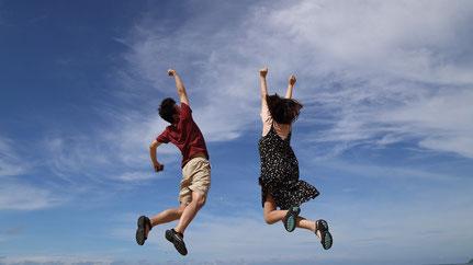 Bild über glückliche zufrieden Kunden