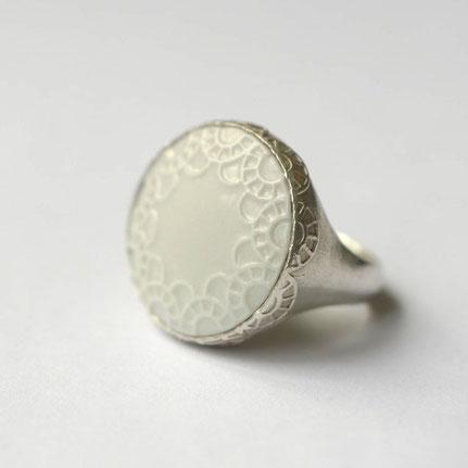 porseleinen ring, roze en rood